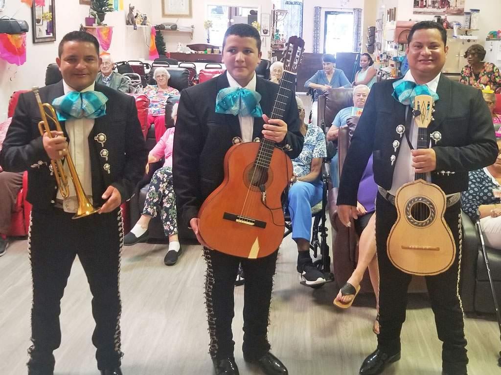 right-choice-introducing-mariachi-band